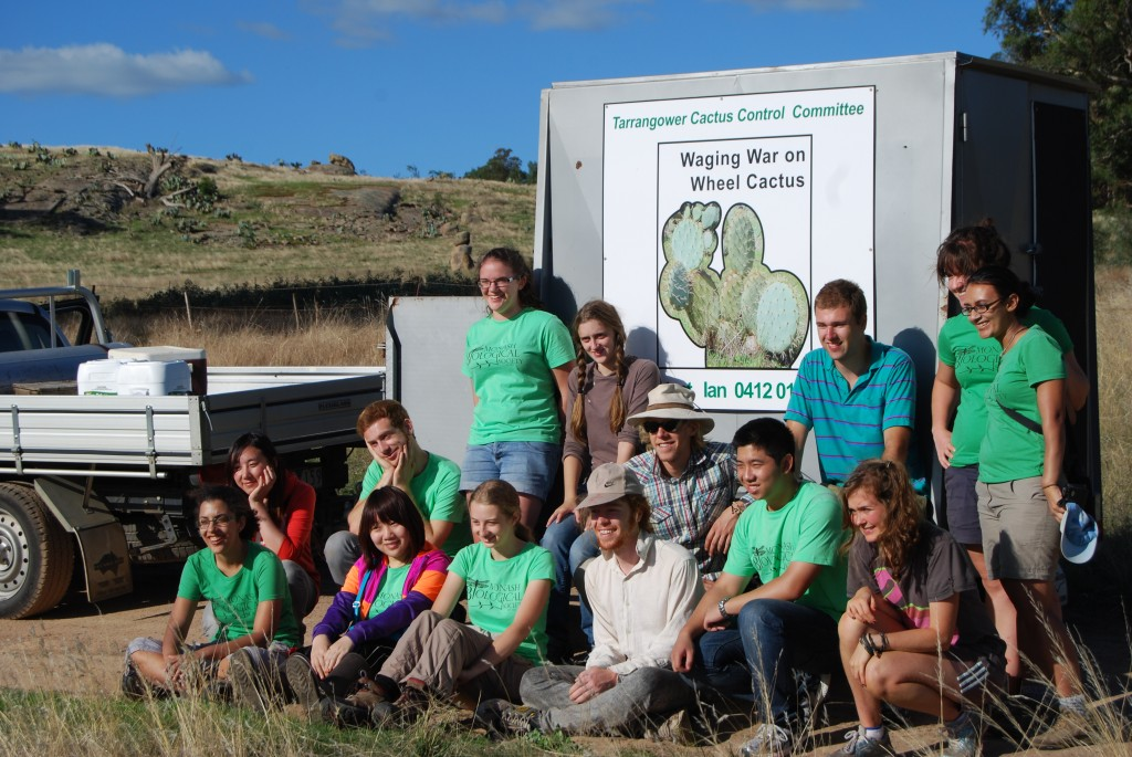 Monash University Environment Club volunteers